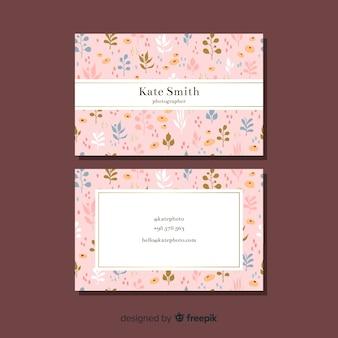 Concepto floral para tarjeta de visita