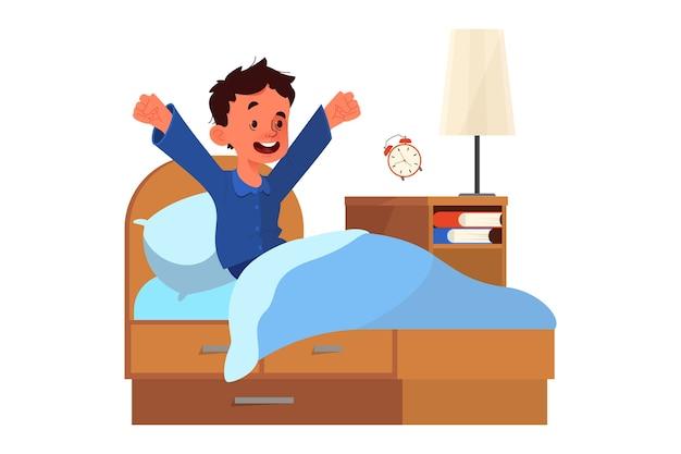 Concepto de horario escolar. niño despertando con el sol de buen humor. descanso en el dormitorio y despertar matutino.