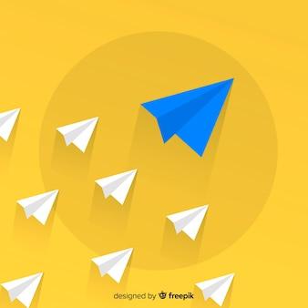 Concepto de liderazgo con aviones de papel