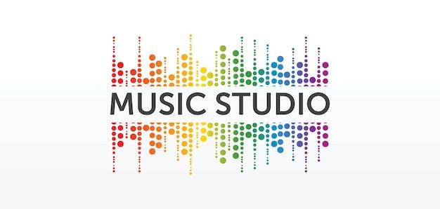Concepto de logotipo de estudio de sonido, emblema de servicio musical, ecualizador, música, logotipo del sistema de audio, etiqueta de ondas de sonido moderno diseño elegante simple aislado sobre fondo blanco.