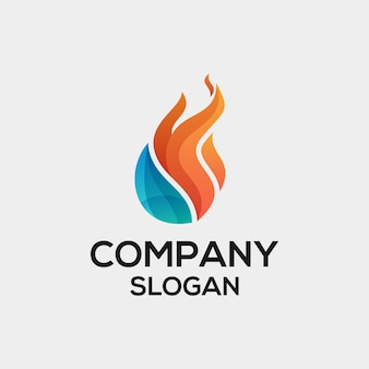 Concepto de logotipo de llama de agua
