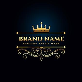Concepto de logotipo real de lujo con corona de oro