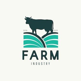 Concepto moderno de diseño de logotipo de granja de vacas.