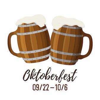 Concepto oktoberfest, dos jarras de madera, taza y taza.