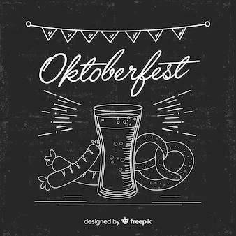 Concepto de oktoberfest en el fondo de la pizarra