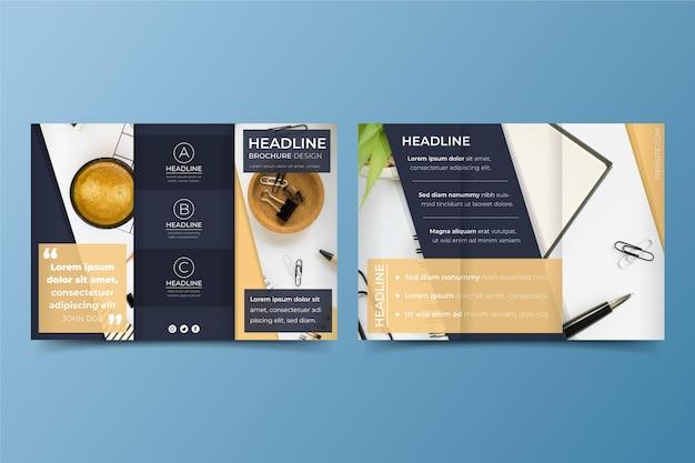 Concepto de plantilla de folleto tríptico mínimo