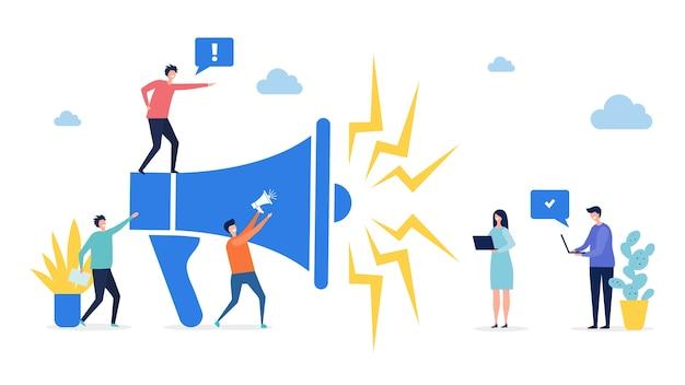 Concepto de promoción. target marketing, ilustración publicitaria en redes sociales. gente diminuta plana con ordenadores portátiles y megáfono. altavoz de marketing empresarial de ilustración, publicidad de promoción