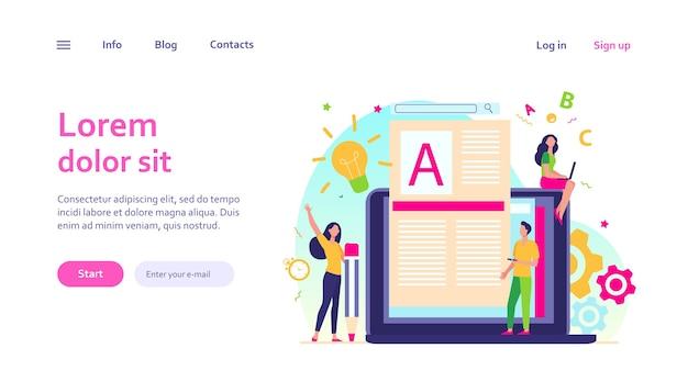Concepto de trabajo de autor o escritor de contenido. bloguero autónomo en una computadora portátil escribiendo artículos creativos, editando texto.