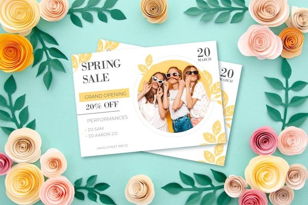 Concepto de venta de primavera con flores