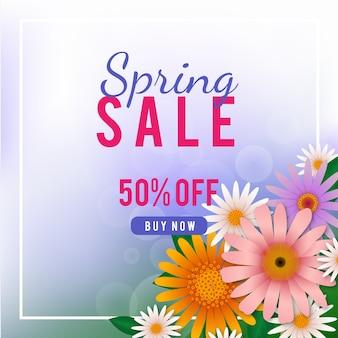 Concepto de venta de primavera realista