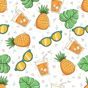Concepto de verano tropical en patrones sin fisuras piña jugo de naranja gafas de sol y hojas
