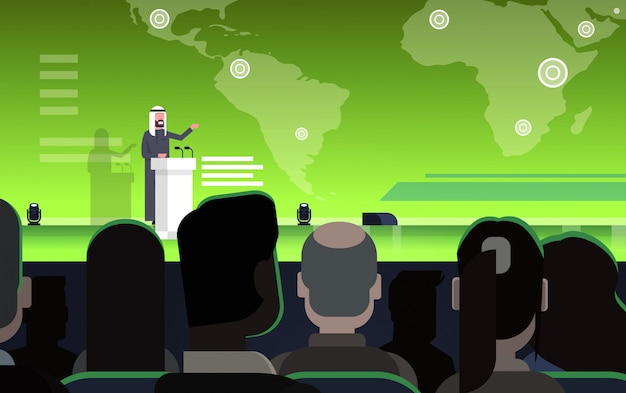 Conferencia de negocios con un empresario o político árabe que habla desde tribune sobre un mapa mundial orador árabe en reunión internacional