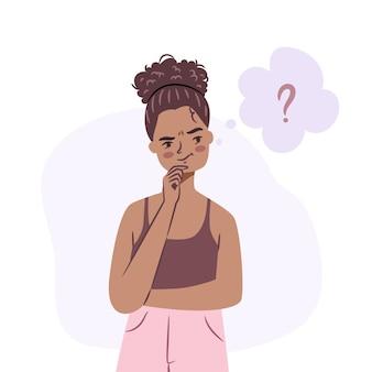 Confundida niña afroamericana joven de pie en duda desconcertado adolescente aislado