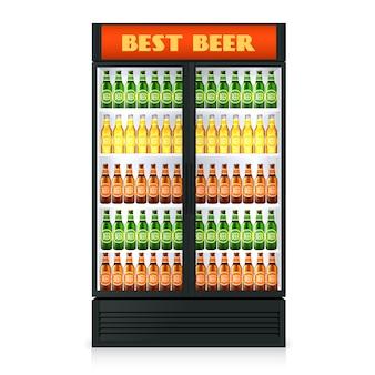 Congelador vertical realista con puerta cerrada transparente y bebidas alcohólicas.