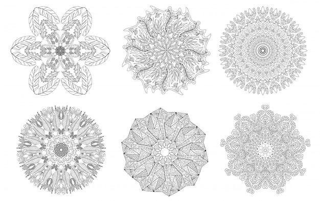 Conjunto de adornos doodle de mandalas. elemento decorativo vintage.