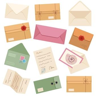 Conjunto aislado de diferentes sobres de correos