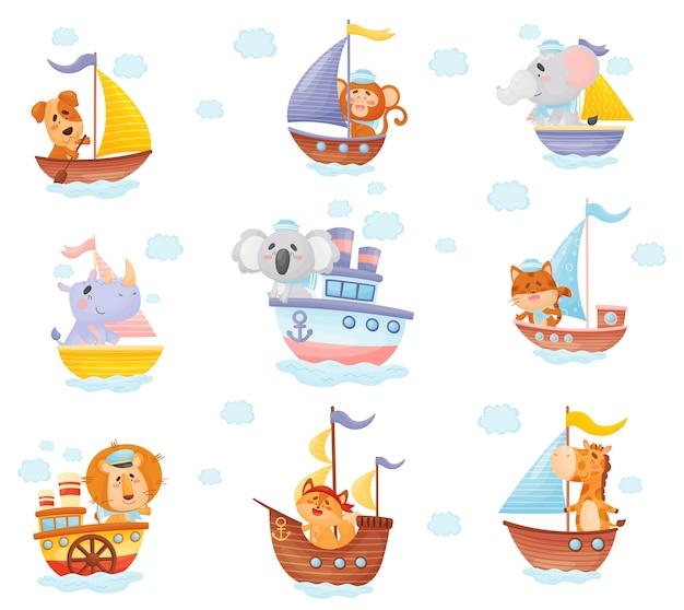 Conjunto de animales de dibujos animados en barcos de diferentes tipos.