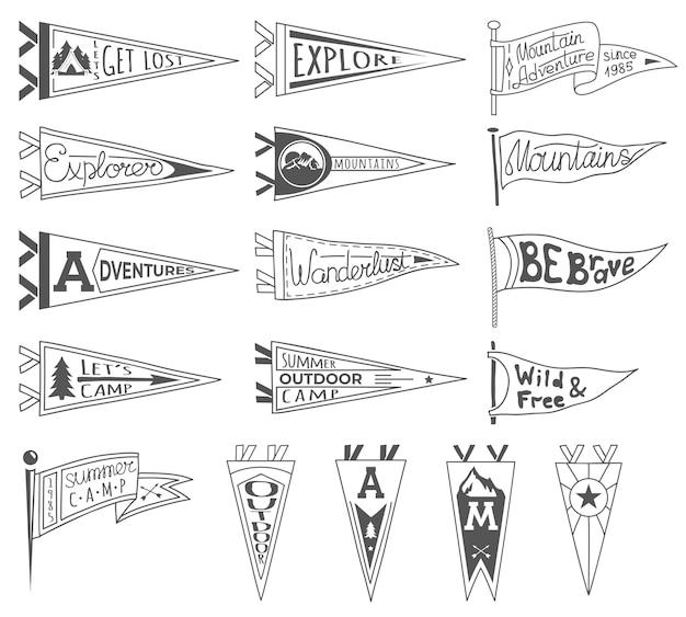 Conjunto de aventuras, aire libre, banderines de camping. retro etiquetas monocromas. dibujado a mano estilo pasión por los viajes.
