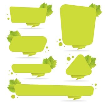 Conjunto de banderas de origami de papel verde con hojas. plantilla para bioproductos, ventas, sitios web y etiquetas. lugar para la ilustración de vector de texto