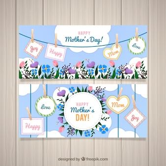 Conjunto de banners del día de la madre con flores y etiquetas