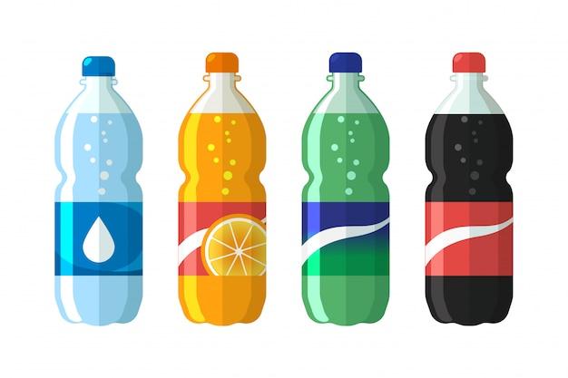Conjunto de botella de plástico de agua y refresco dulce.