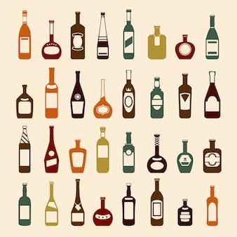 Conjunto de botellas de cerveza y botellas de vino.