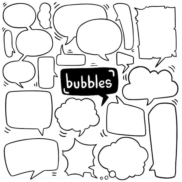 Conjunto de burbujas de discurso lindo dibujado a mano en estilo doodle