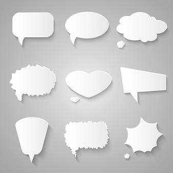 Conjunto de burbujas de discurso de papel con sombras
