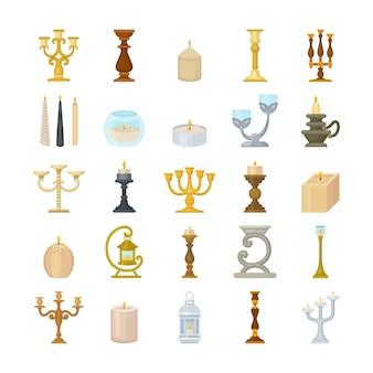Conjunto de candelabros decorativos y velas de cera.