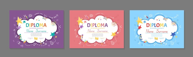 Conjunto de certificado de diploma de niños coloridos para jardín de infantes o preescolar elemental con niños lindos niños sentados en la mesa y haciendo la tarea de dibujos animados plana