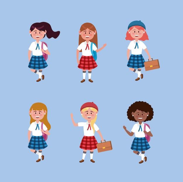 Conjunto de chicas estudiantes con uniforme y mochila.