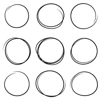Conjunto de los círculos de garabatos dibujados a mano