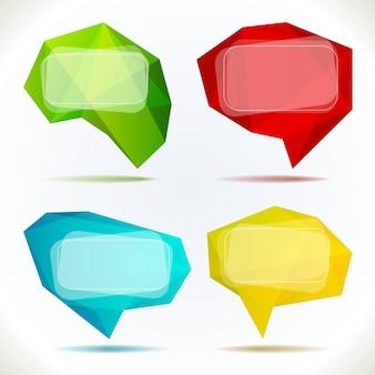 Conjunto de coloridas burbujas de discurso aislado