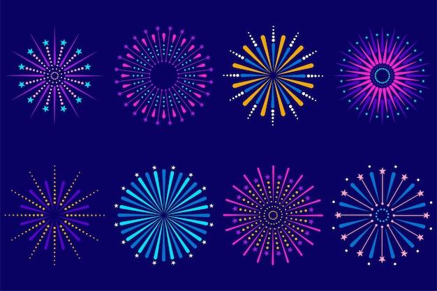 Conjunto de coloridos fuegos artificiales festivos de celebración