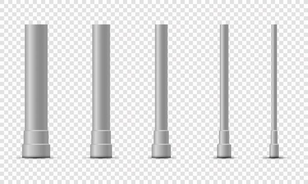 Conjunto de columnas metálicas los postes de postes metálicos, tubos de acero de varios diámetros instalados están atornillados en una base redonda aislada sobre un fondo transparente.