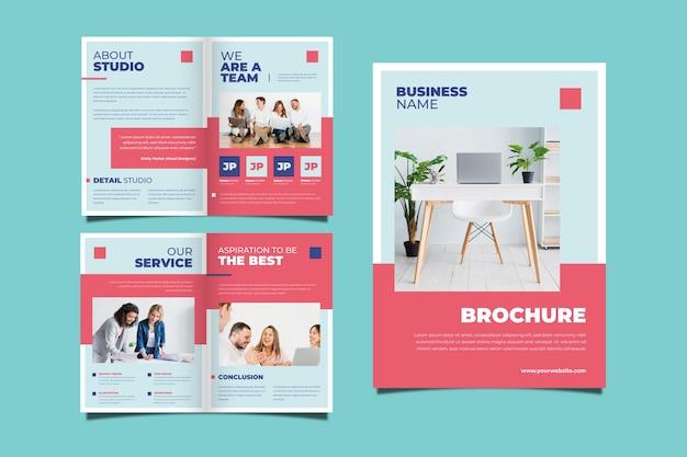 Conjunto de concepto de folleto comercial