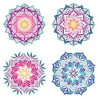 Conjunto de cuatro mandalas_fondo degradado de colores brillantes