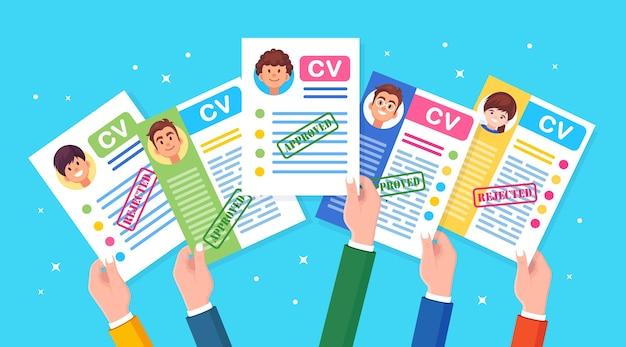 Conjunto de currículum vitae comercial en la mano. entrevista de trabajo, contratación, búsqueda de empleadores, contratación.