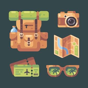 Conjunto de elementos de viaje. mochila, cámara, mapa, boletos de avión y gafas de sol.