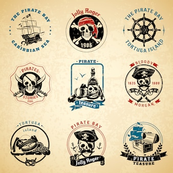 Conjunto de papel viejo vintage piratas emblemas