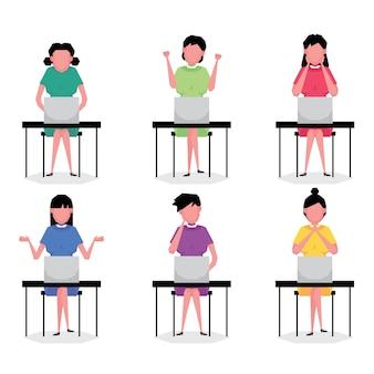 Un conjunto de dibujos animados de personajes de empresaria presenta a personas sentadas y trabajando en la computadora