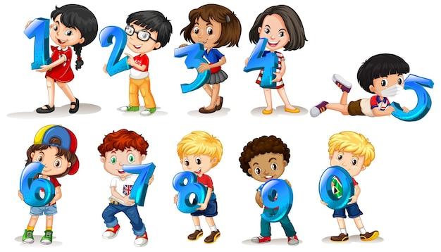 Conjunto de diferentes niños con números.