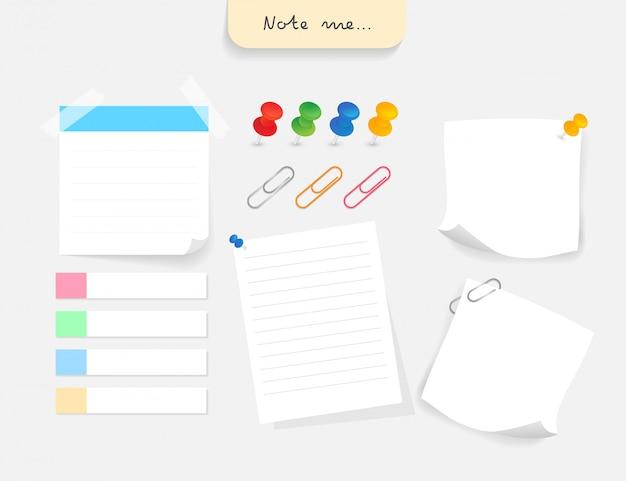 Conjunto de diferentes papeles de nota con clip, chincheta y etiqueta de papel.