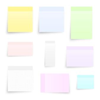 Conjunto de diferentes tipos de nota adhesiva aislado en blanco.