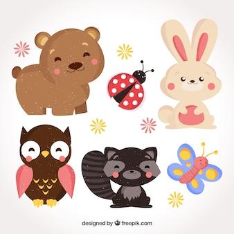 Conjunto divertido de animales sonrientes con diseño plano