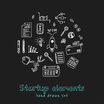 Conjunto de doodle dibujado a mano de elementos de inicio