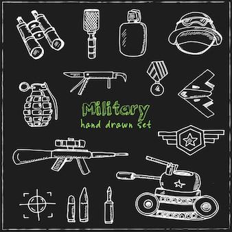 Conjunto de doodle dibujado a mano militar