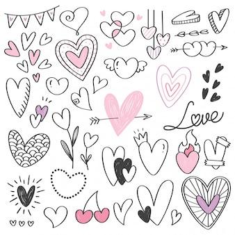 Conjunto de doodle de forma de corazón aislado en blanco