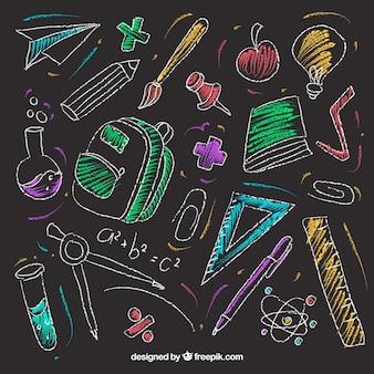 Conjunto de elementos de escuela en estilo pizarra