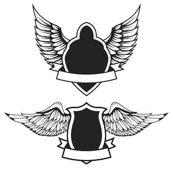 Conjunto de los emblemas vacíos con alas. elementos para, etiqueta, insignia, signo. ilustración